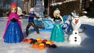 FROZEN Queen Elsa And Princess Anna Get Trapped With Jack