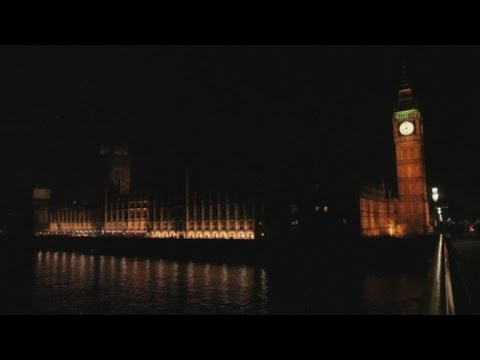 Big Ben and other famous world buildings go dark for Earth Hour