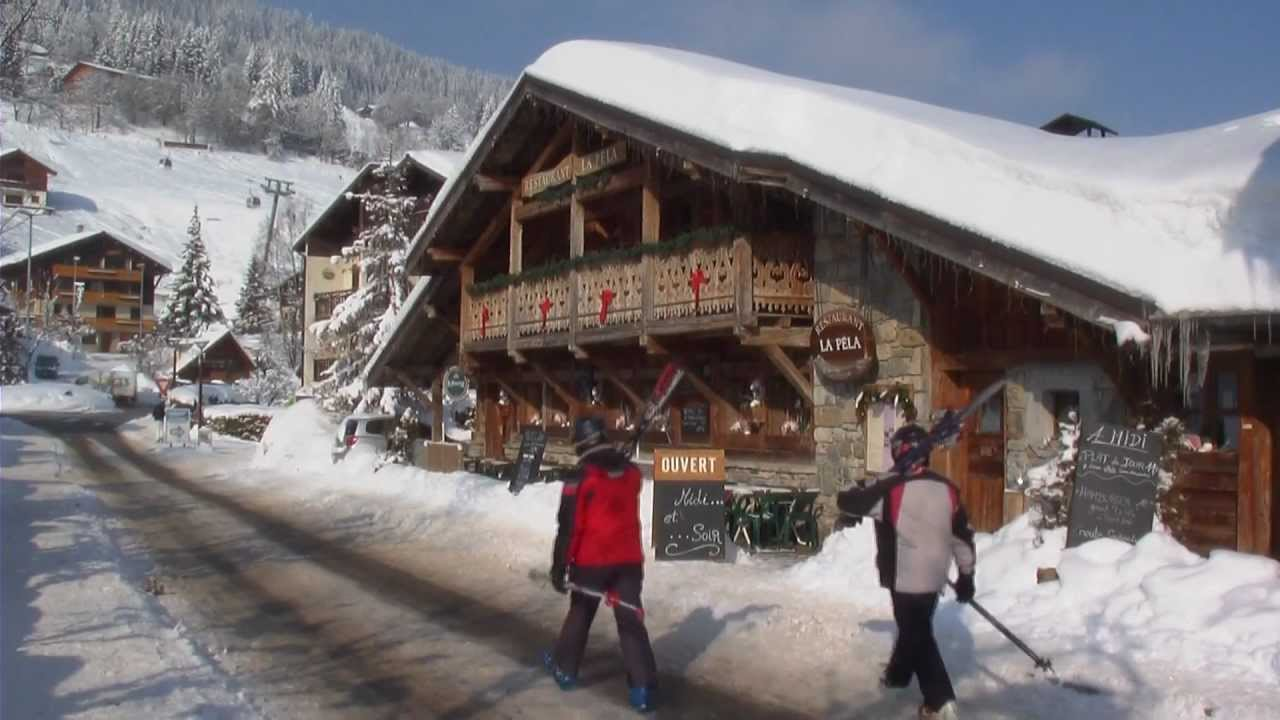 Pure Mountain Chalet Holidays  Skiing in French Alps Les