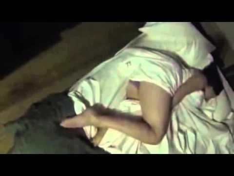 Shikojeni se cfare i ndodh kesaj vajze duke fjetur gjume