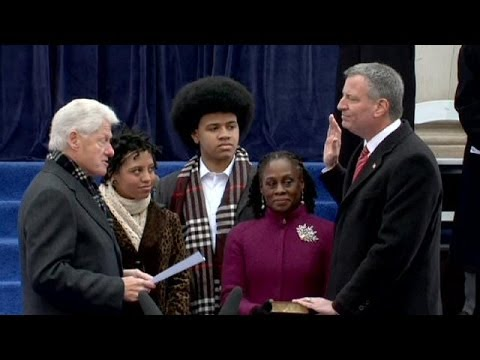 New York 's new mayor Bill de Blasio sworn in