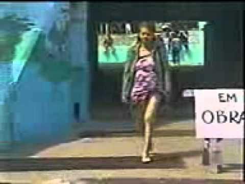En la calle minifalda ajustada negra de una rica nalgona - 2 part 8