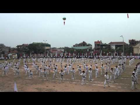 Màn đồng diễn Võ thuật Karatedo - ĐT - QN 2011