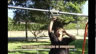 Pais cobram manuten��o de brinquedos de pra�a de Belo Horizonte