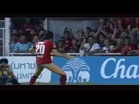 Những pha ăn mừng bàn thắng ngu nhất thế giới 2016