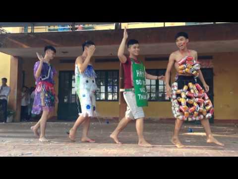 Biểu diễn thời trang bảo vệ môi trường 11a6 THPT Dương Quảng Hàm