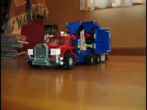 Stop Motion Transformers: Optimus Prime (Armada)