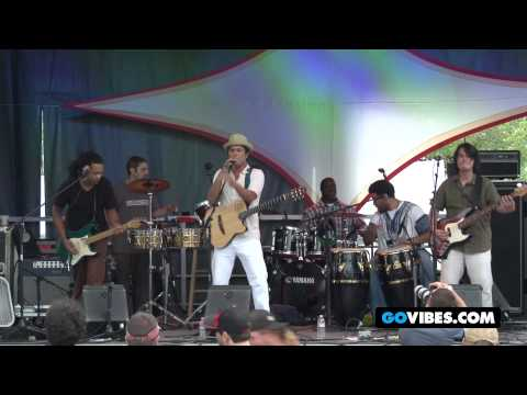 "Cosmic Jibaros Perform ""Yo Soy Del Mundo"" at Gathering of the Vibes Music Festival 2012"