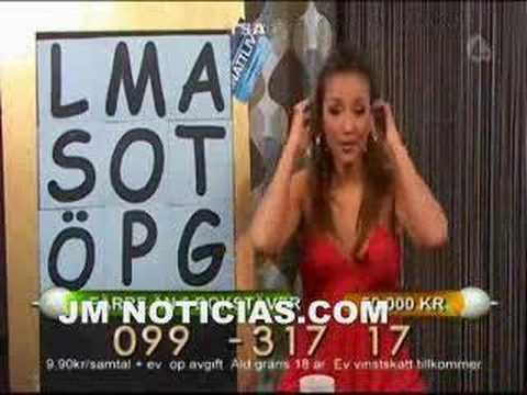 Vomito de una presentadora de television (solocachondeo.com)