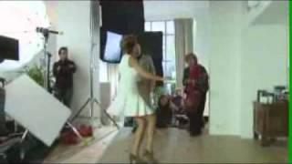 Sylvie Van Der Vaart Houdt Balletje Hoog