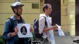 Protest și contraprotest @ambasada Franței din Moldova