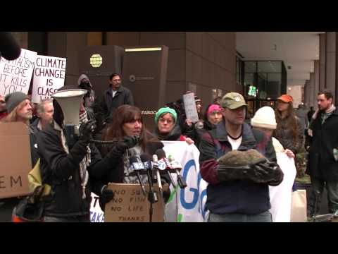 Chicago Protests BP Oil Spill in Lake Michigan