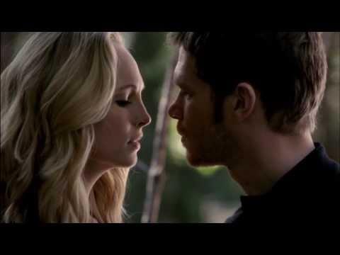 Klaus & Caroline    KISS [5x11]