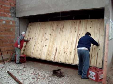 Porton levadizo manual v gesell youtube for Como hacer un porton de madera economico
