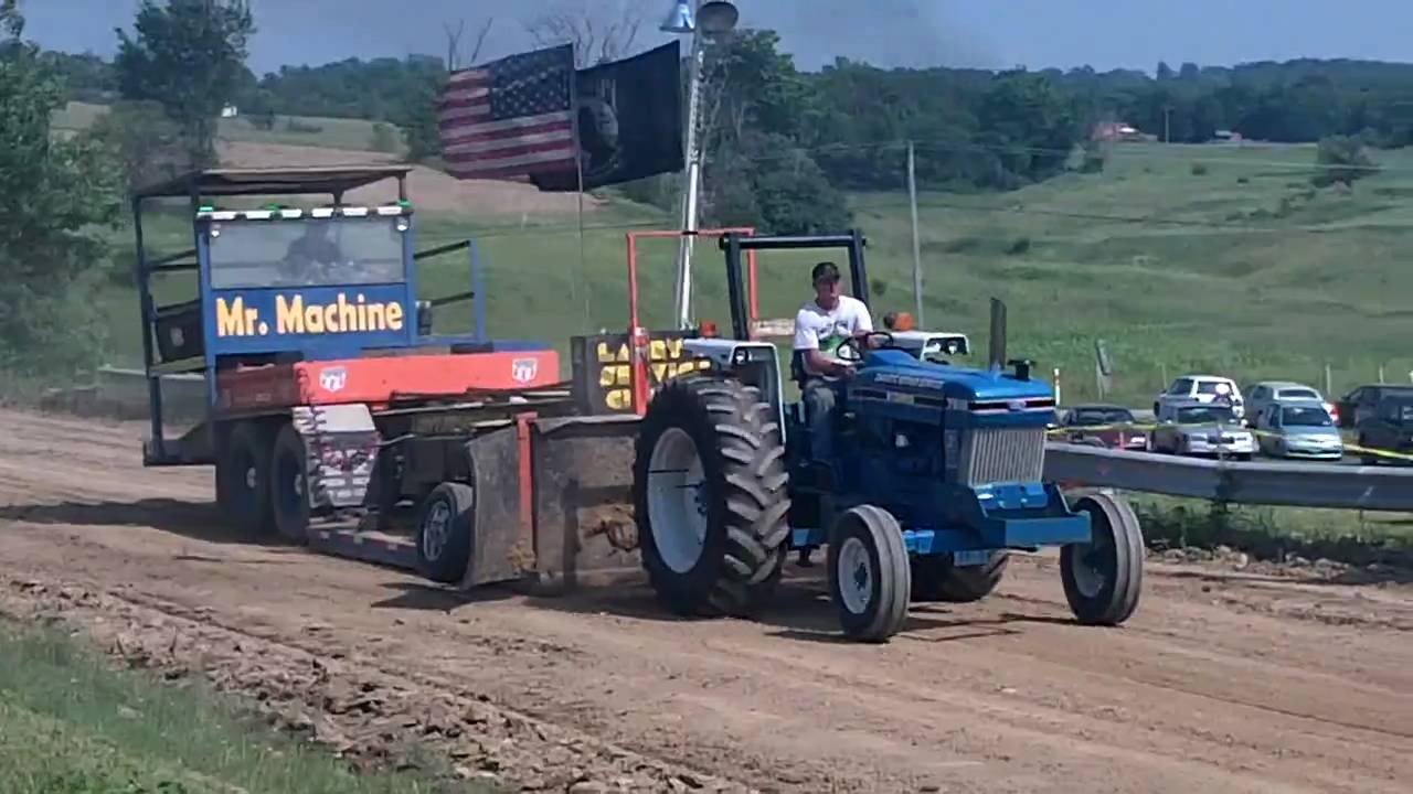 Ford Pulling Tractors : Ford tractor pulling team