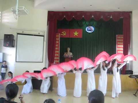 THCS Nguyễn An Khương 9AT2 - Múa quạt Quê Tôi ( 2015 - 2016 )