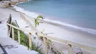 Izamiento de bandera Blue Flag en Playa Palmares Puerto Vallarta.