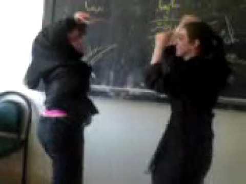 Raqso paekobi 2 dokhtare irani dar madrse