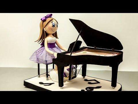 Fofucha personalizada Pianista, todo en goma eva (foamy) - Presentación