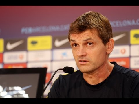 "FC Barcelona - Vilanova: ""I'm surprised anyone could doubt Valdés"", The coach can't believe that anybody could question the keeper, claiming: ""the Club has 4 Champions League and he has been decisive in 3 of them. He is the b..."
