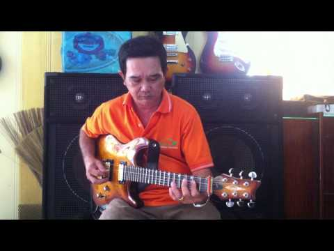 Nhat Long doc tau tau guitar co  bai vong kim lang