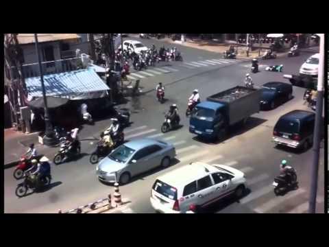 những tình huống tai nạn giao thông Việt Nam - An Toàn Môi Trường - HSE