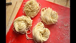 Tự làm mì sợi rồi nấu mì kim chi | noodle maker