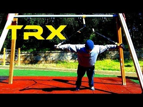 allenamento pettorali a casa o parco con trx chest fly