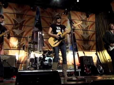 Chrisse Hynde and the Pretenders - Back on the Chain Gang (Live at Farm Aid 2008)