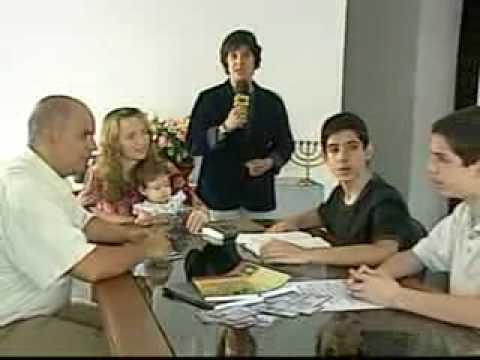 Pais que educam os filhos em casa e podem perder a guarda.