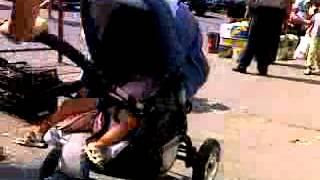 """O polițistă """"face legea"""" la Piața Centrală… înjurând!"""