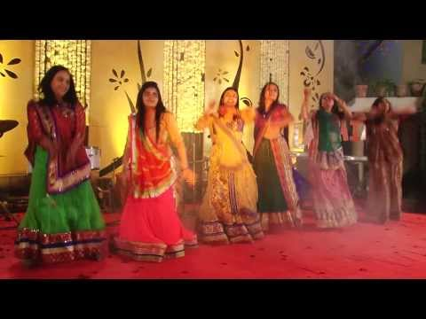 Titli + Nagada sang dhol baaje !! ( Sisters performing on Nirja-Riken's Sangeet Sandhya) !!