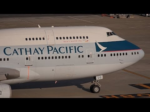 Cathay Pacific Airways Boeing 747-400 B-HUG Pushback [HND/RJTT]