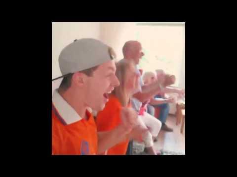 EnzoKnol Reactie Klaas-jan Huntelaar penalty Nederland - mexico