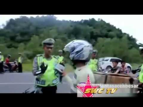 VIDEO LUCU! Mannequin Challenge Di tilang Polisi