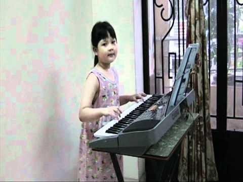 Ga Trong Meo Con Va Cun Con - Be Thuy Tien
