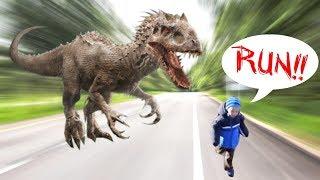 Giant Robotic Dinosaur Scares Zack