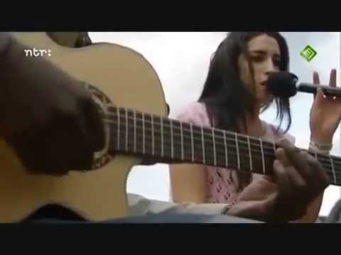 amy winehouse in my bed live acoustic 2004 youtube