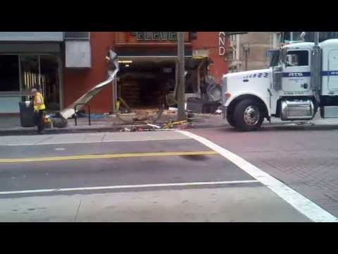 MTA-TOWING-7 ELEVEN accident 2013