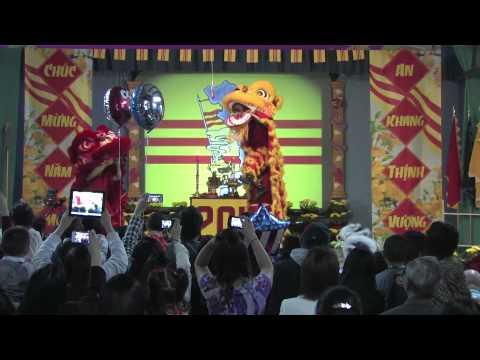 CDVN Amarillo Xuan Quy Ty 2013 -  Mua Lan (Lion Dancing)