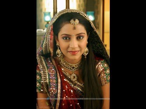 Nhan sắc như nữ thần của 3 mỹ nữ đóng phim Ấn Độ :