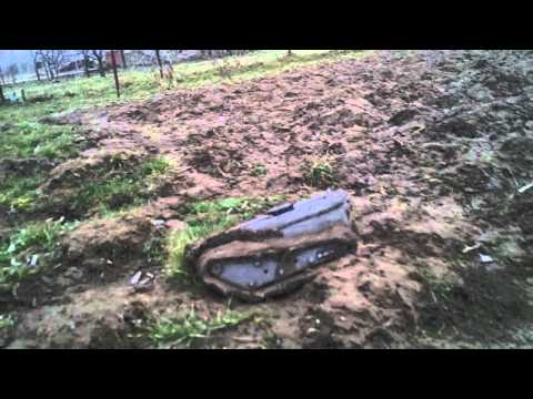 #35 Homemade RC tracked vehicle ( UGV ) - Mudding on a plow land - J.Laci