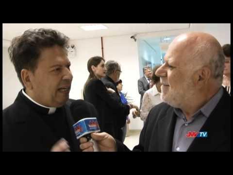Padre Carl�o recebe homenagem no Legislativo