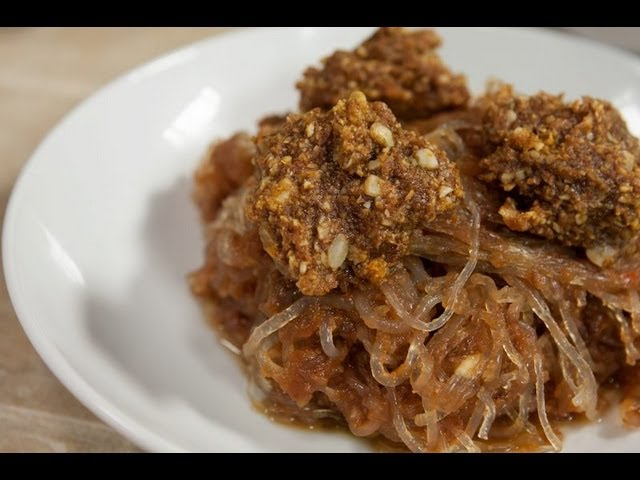 "BBQ Pasta with ""Meatballs"" by Chef BeLive - Blythe Raw Live"
