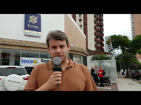 Contra descomissionamentos, bancários paralisam agências Estilo em Santos