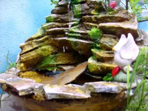 Peque as fuentes de agua feng shui jardines e interior for Aspersor de agua para jardin