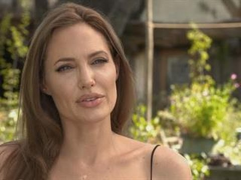 Angelina Transforms Herself Into 'Maleficent'