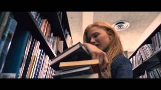 Carrie Trailer En Español HD