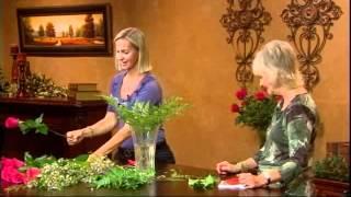 How To Design A Dozen Roses In A Vase
