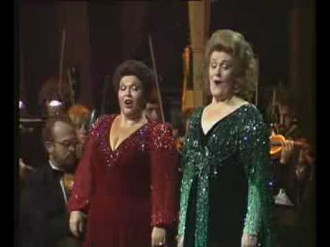 Dame Joan Sutherland &amp; Marilyn Horne - The Flower Duet